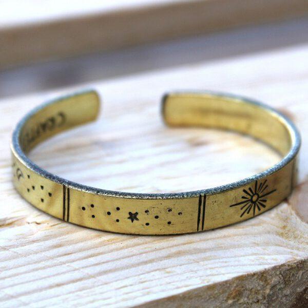 Bracelet inspiration - soleil, lune et étoiles - coleur or bronze (1 pièce) - Shop Spirituel